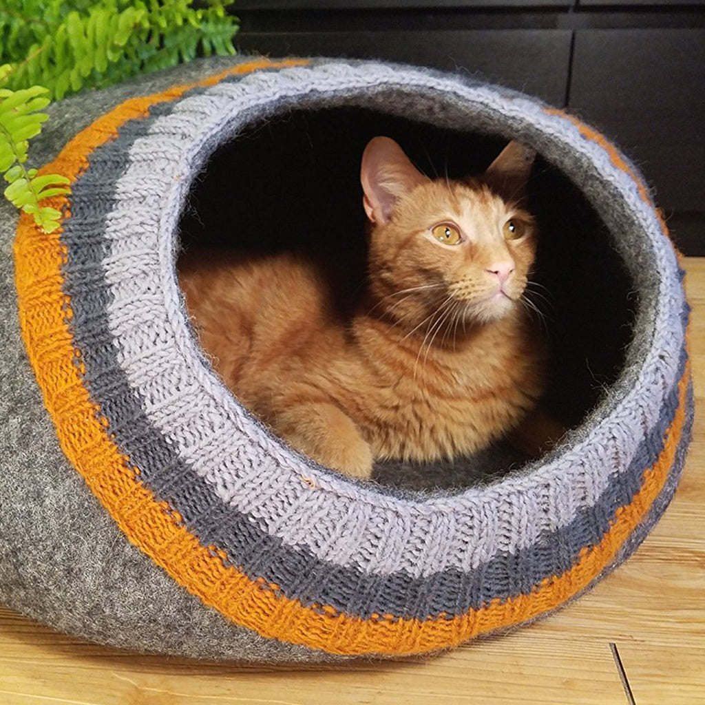 Sock Ball Cat Bed