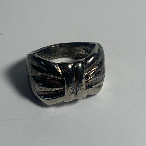 Vintage Ribbon Ring