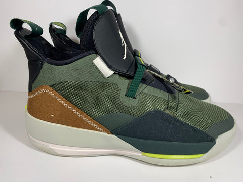 Used Travis Scott Jordan XXXIII 33 Sz 10