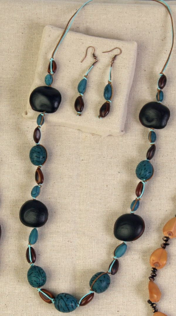 Congolo and Bombona Seed Necklace - Natural Artist