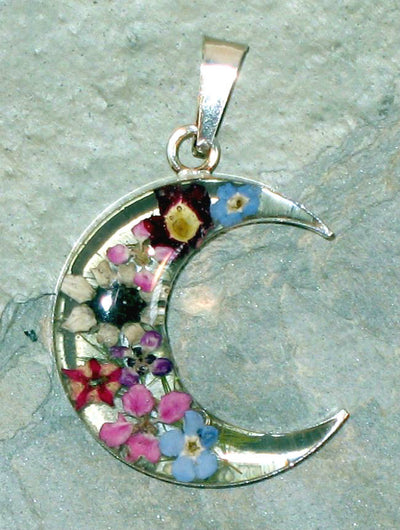 Real Flower Moon Pendent - Daisy - Natural Artist