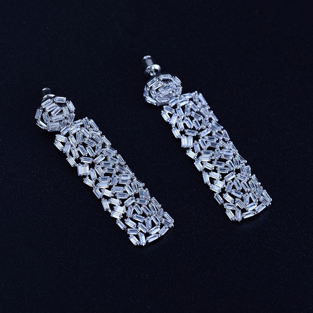 GLACE BAGUETTE DROP EARRING