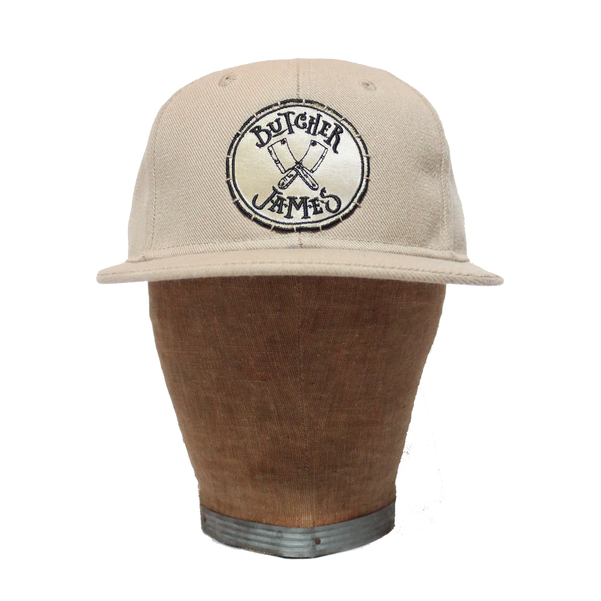 CREAM FITTED HAT