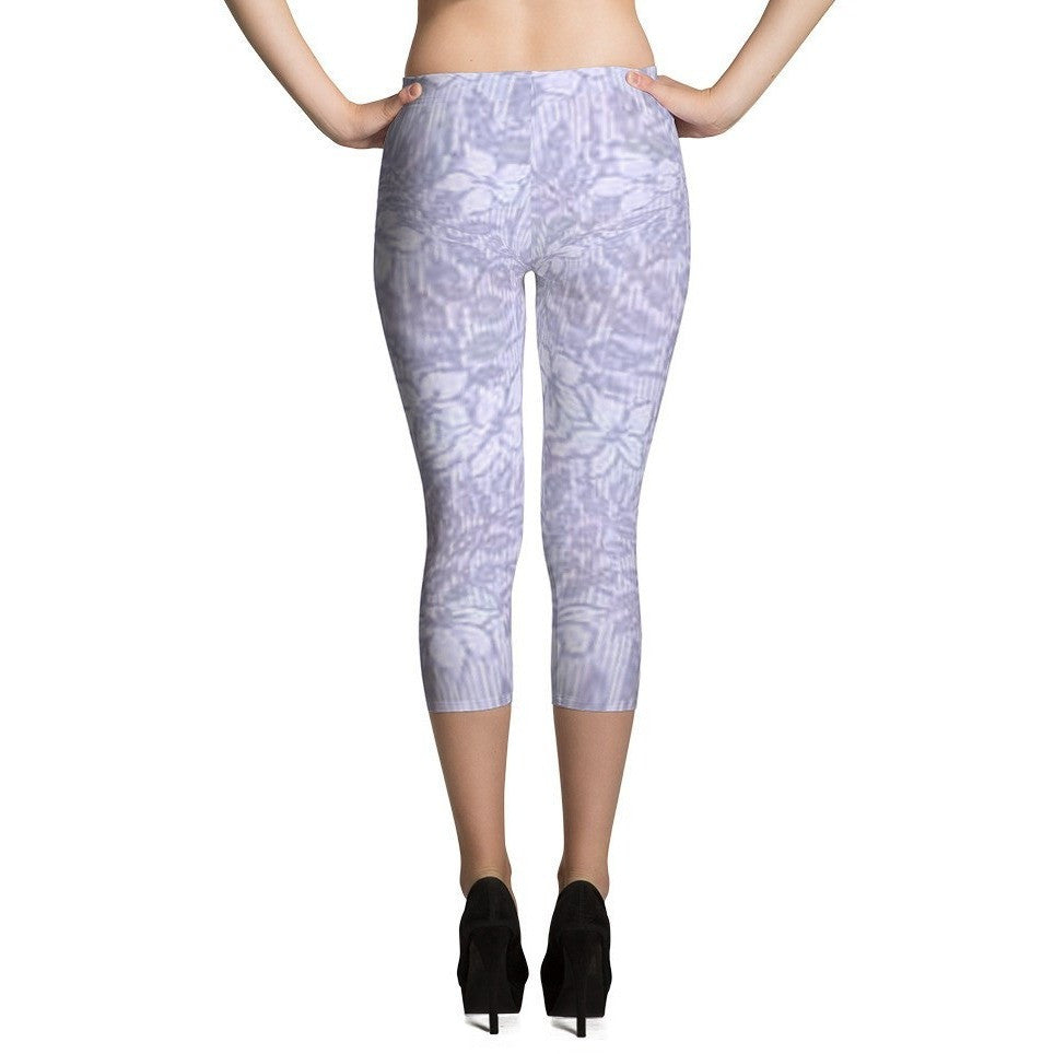 I Am A Dreamer Capri Leggings Vintage Fashion 1888 Purple Flowers - I Am A Dreamer