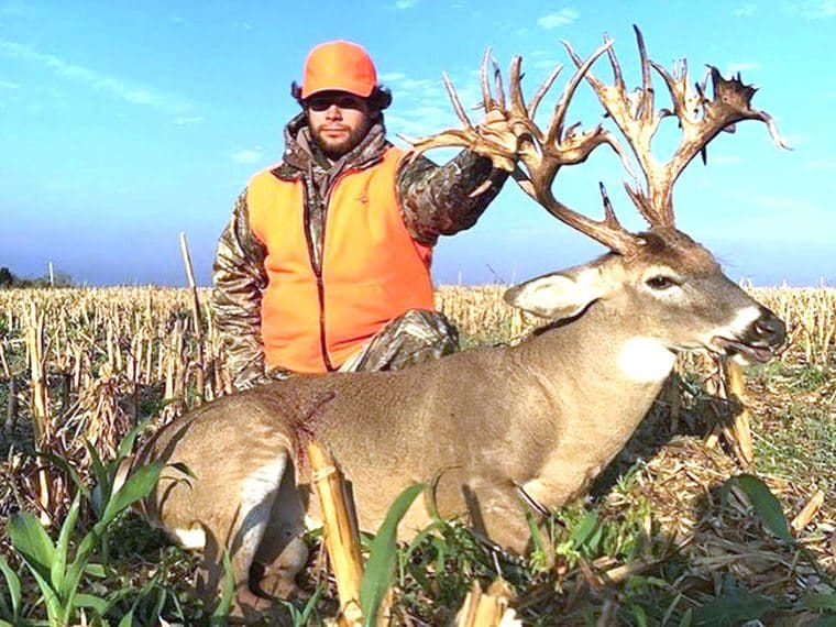 These Are The Biggest Non-Typical Whitetail Bucks Killed By Hunters In The Record Books stephen tucker