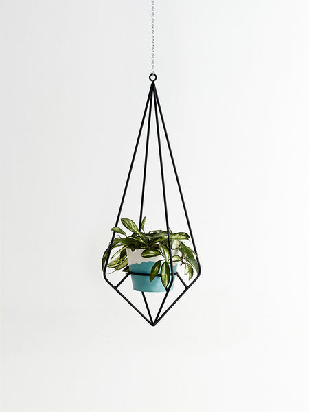 Black diamond hanging plant holder
