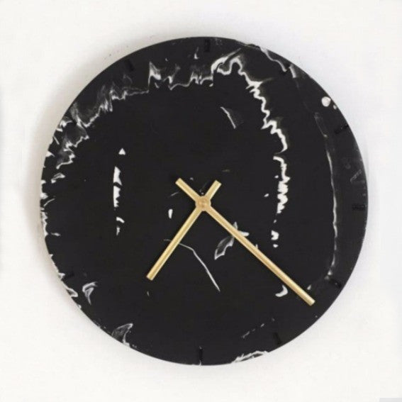 Black and white eco-resin clock
