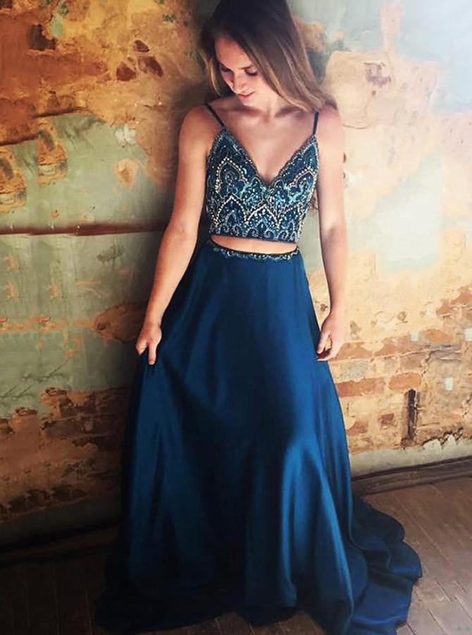 Why two piece prom dresses are so popular