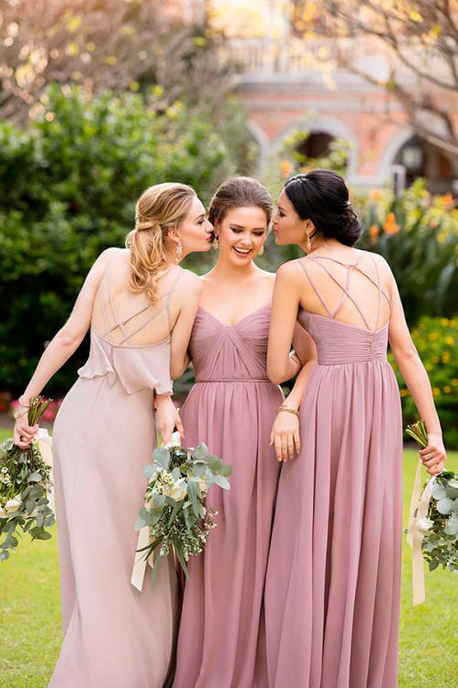 Tips to Choose Wisely The Color of The Dress of the Bridesmaids