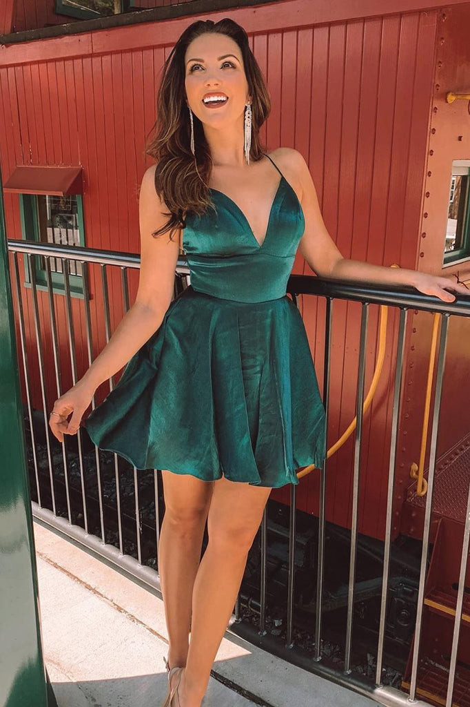 Dark Green Spaghetti Straps V-neck Backless Short Homecoming Party Dress M772