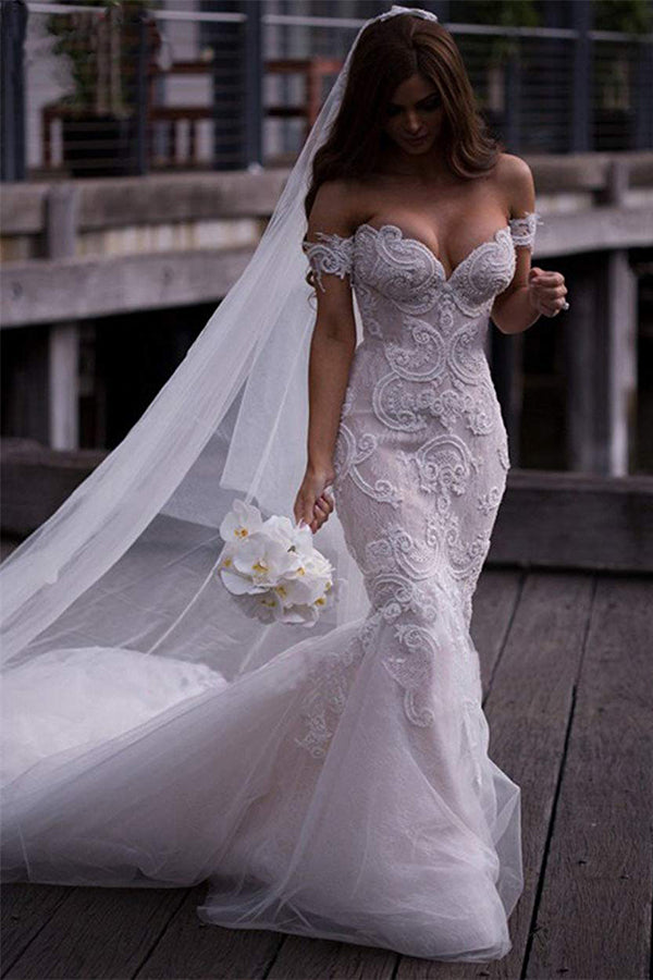 Elegant Sweetheart Trumpet With Lace Appliques Wedding Dresses W357