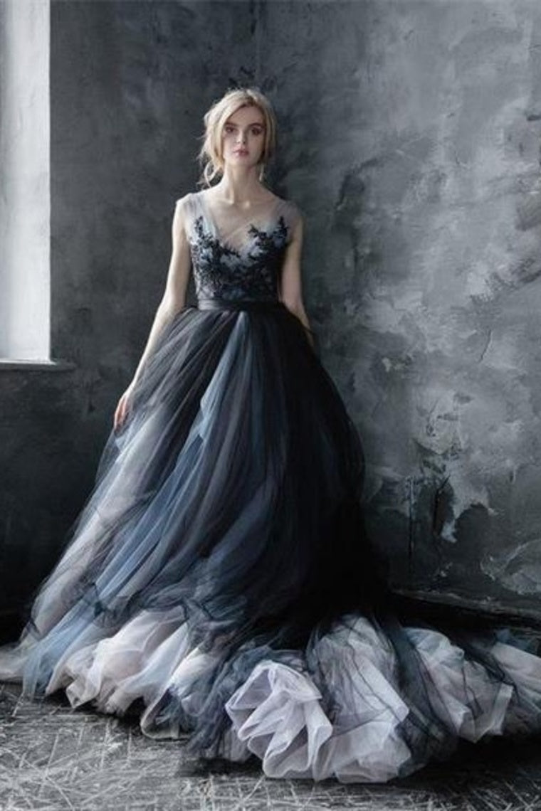 Gorgeous Sweep Train Tulle Ball Gown Long Prom Dress with Appliques P845