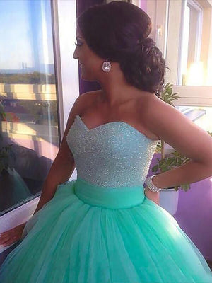 Elegant Sweetheart Tulle Plus Size Lace Appliques Beading Ball Gown Prom Dress P773