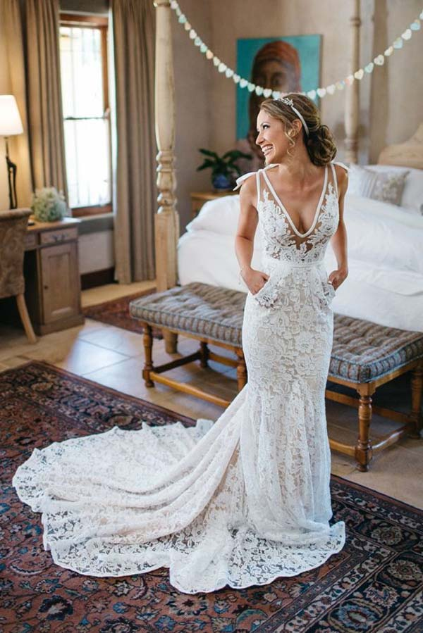 Gorgeous V Neck Sleeveless Court Train Backless Lace Appliques Wedding Dresses W450