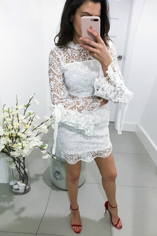 High Neck Bell Sleeves Lace Sheath Homecoming Party Dress M742