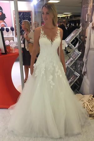 Impressive V Neck Sleevless Tulle With Appliques Wedding Dresses W348