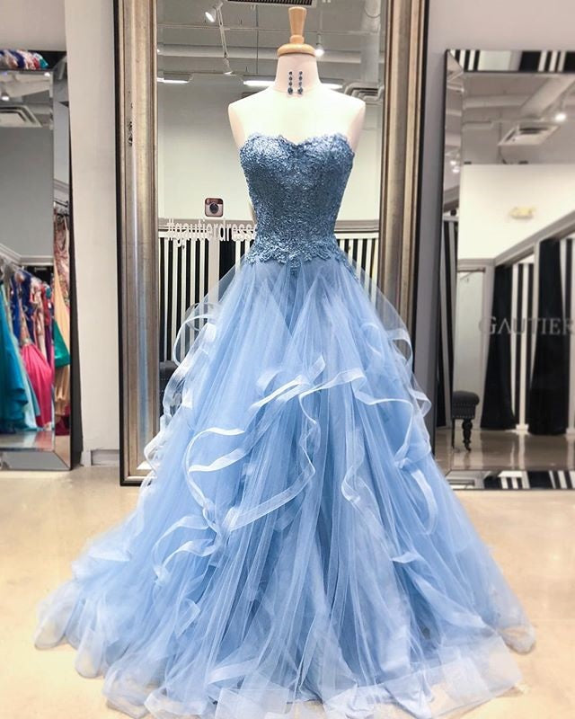 Gorgeous A Line Sweetheart Appliques Lace Prom Dresses with Ruffles P913