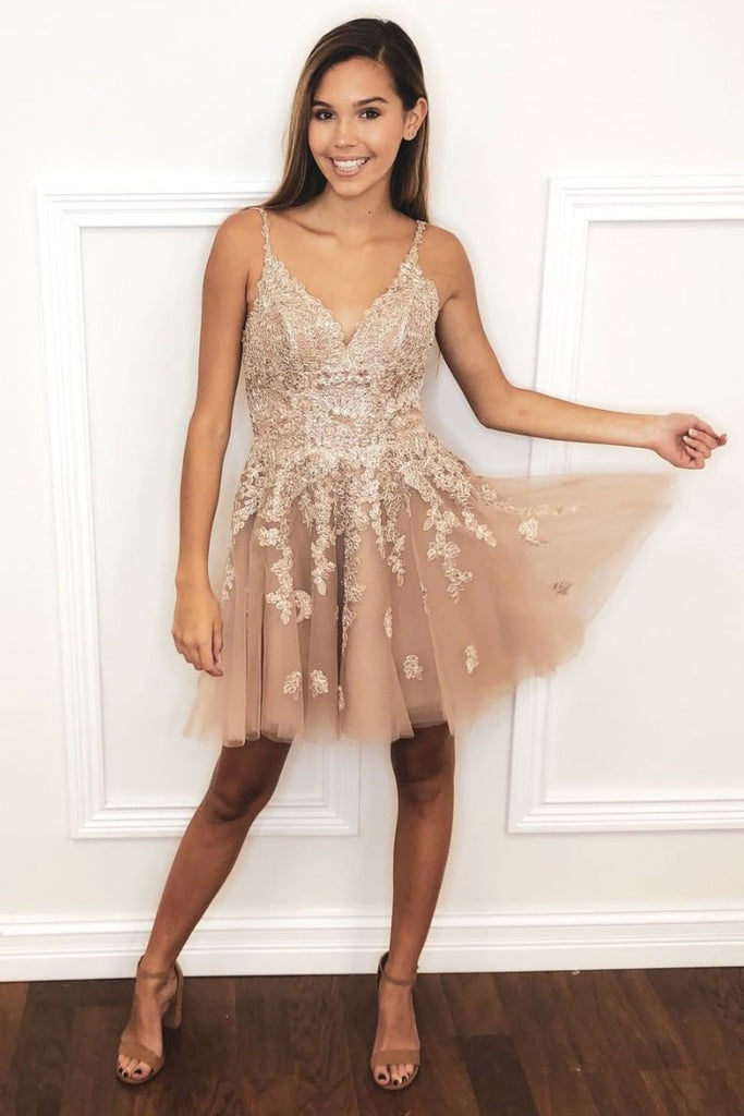 A-line V-neck Lace Appliques Tulle Short Prom Homecoming Dress M785