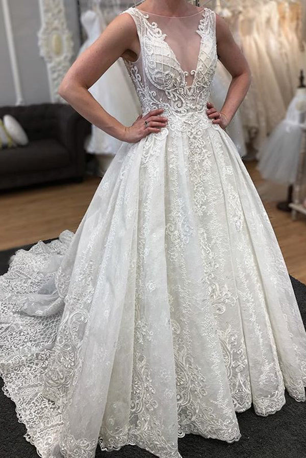 Gorgeous Tulle V Neck With Lace Appliques Wedding Dresses W341