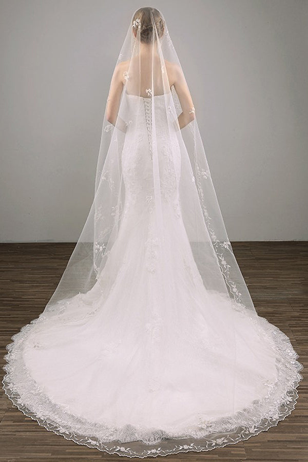 Cheap Two Tier Lace Appliques Edge Cathedral Veil Long Wedding Veils V27