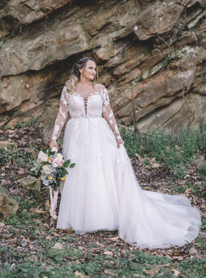 Elegant A Line Long Sleeves Plus Size Lace Wedding Dress W822