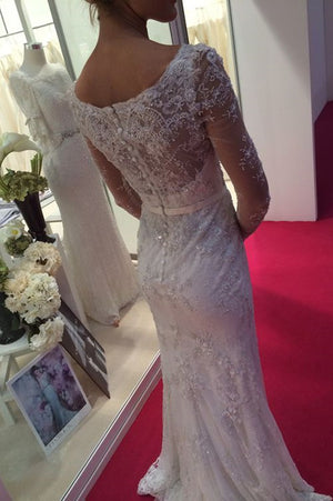 Delicate Round Neck Lace Appliques Long Sleeves With Beading Wedding Dress W399