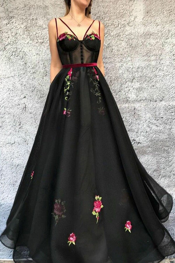 Black V Neck Long Prom Dress with Appliques D372