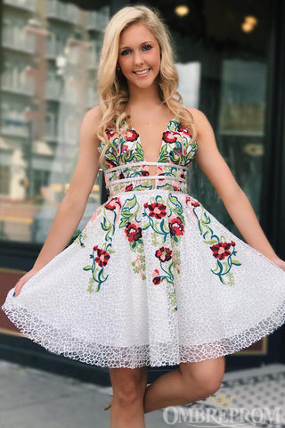 products/Charming_V_Neck_Lace_Short_Prom_Dress_with_Embroidery_M643_3.jpg