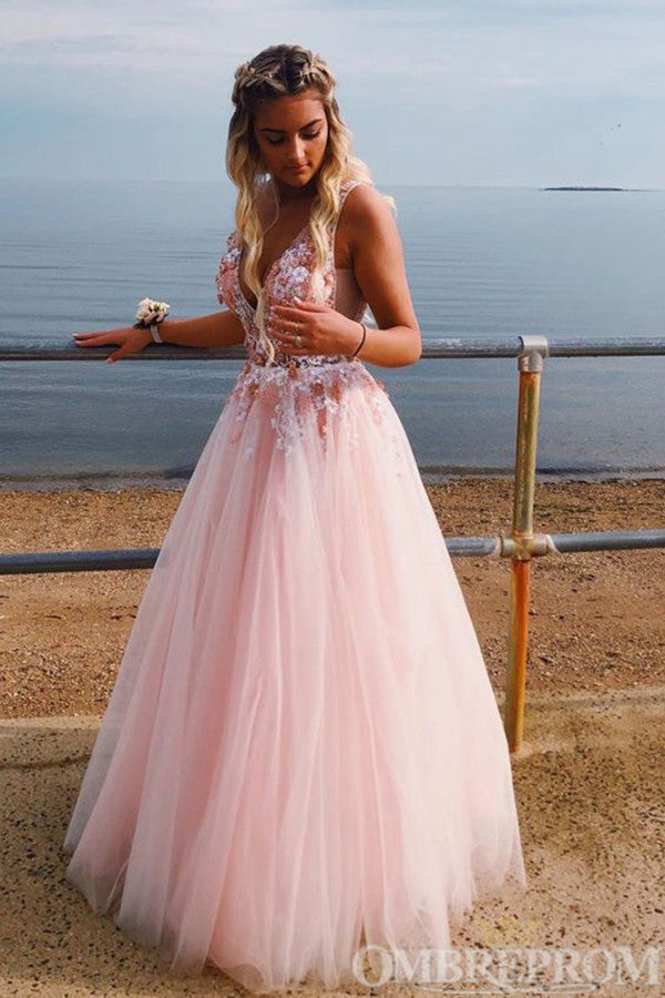 Charming V Neck Sleeveless Appliques Prom Dress with Beading D317