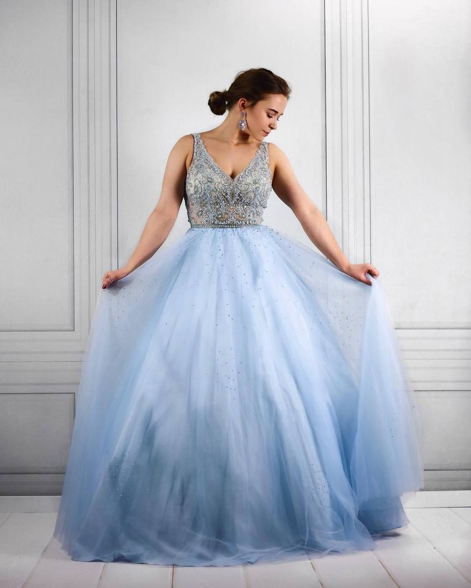 Elegant Sky Blue Sleeveless Party Gown with Beading Top Prom Dresses D09