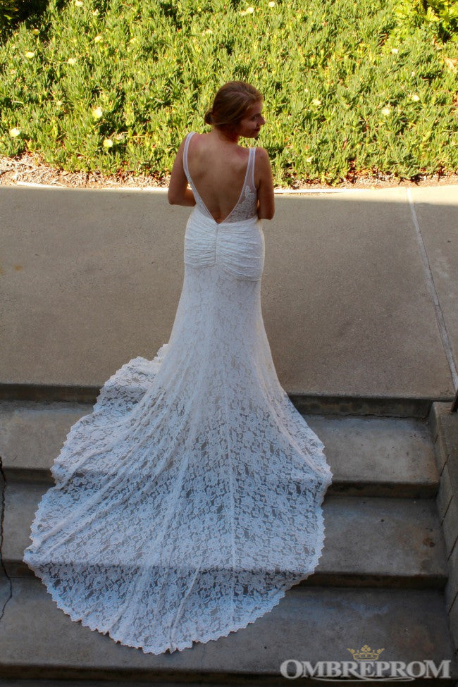 Elegant V Neck Backless Lace Bridal Gown Mermaid Wedding Dress with Appliques W615