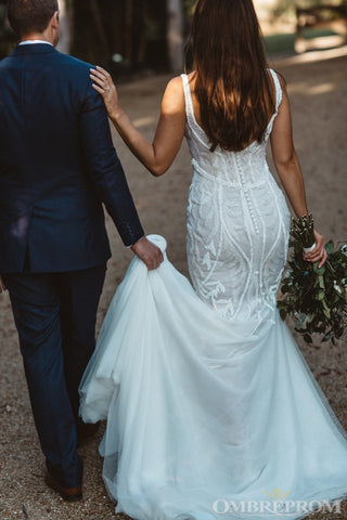 products/Gorgeous_Straps_V_Neck_Sweep_Train_Lace_Mermaid_Wedding_Dresses_W627_1.jpg