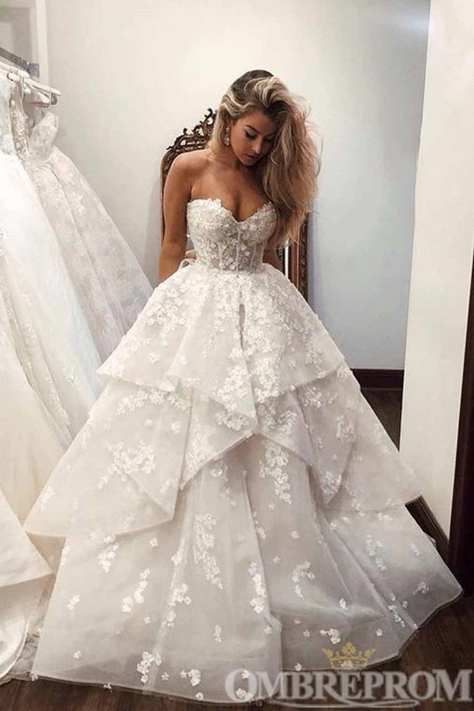 Gorgeous Sweetheart Strapless Ball Gown Wedding Dress W723