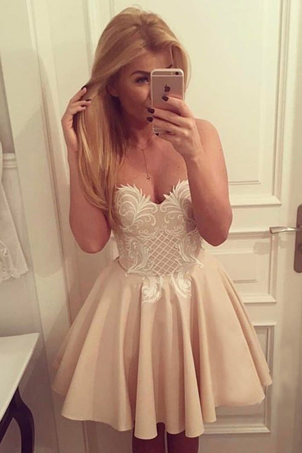 Sweetheart Strapless Homecoming Dresses,Open Back Appliques Short Prom Dress