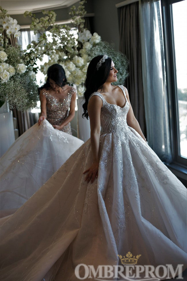Luxury Sweetheart Ball Gown Lace Wedding Dress with Appliques W735