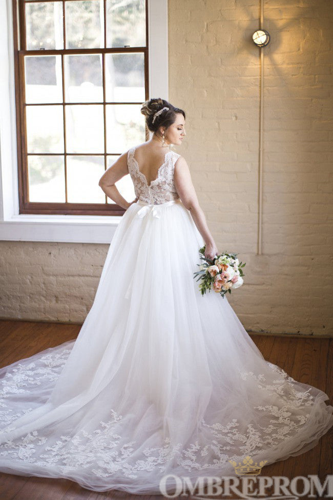 Luxury V Back Sleeveless Ball Gown Wedding Dress with Beading W703