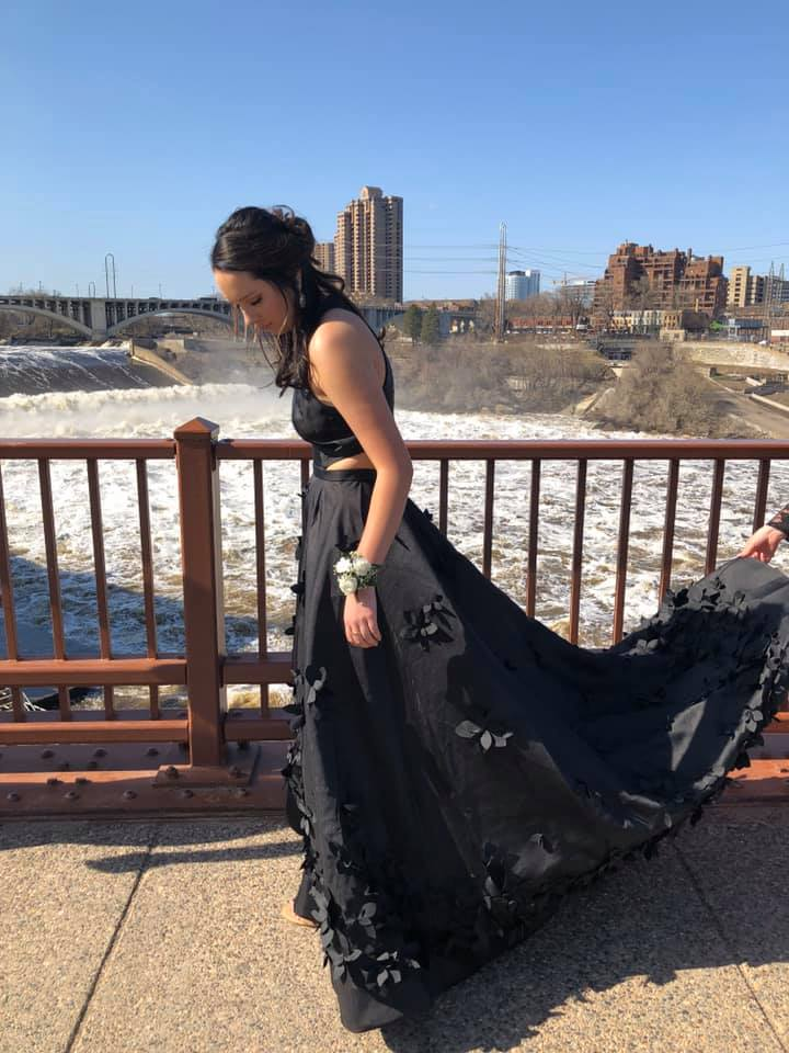 Beautiful Black Satin Prom Dresses Modest A-ling Party Gowns M1080