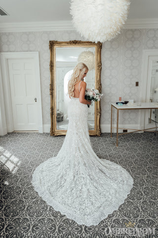 products/Mermaid_Bridal_Gown_Spaghetti_Straps_Backless_Lace_Wedding_Dress_W642_1.jpg