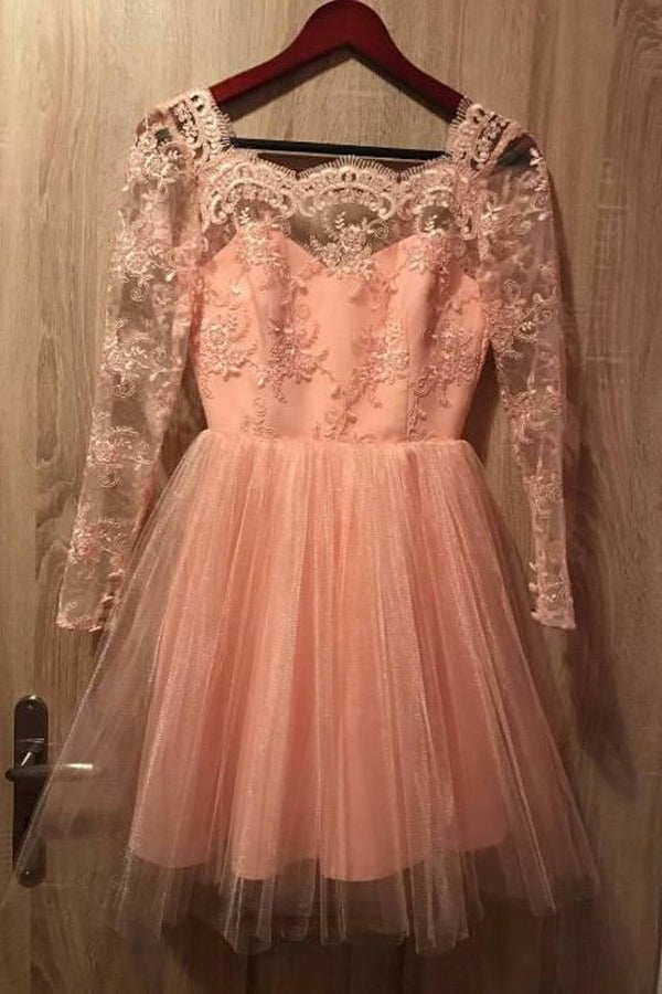 Long Sleeves Short Prom Tulle Homecoming Dress with Appliques M324
