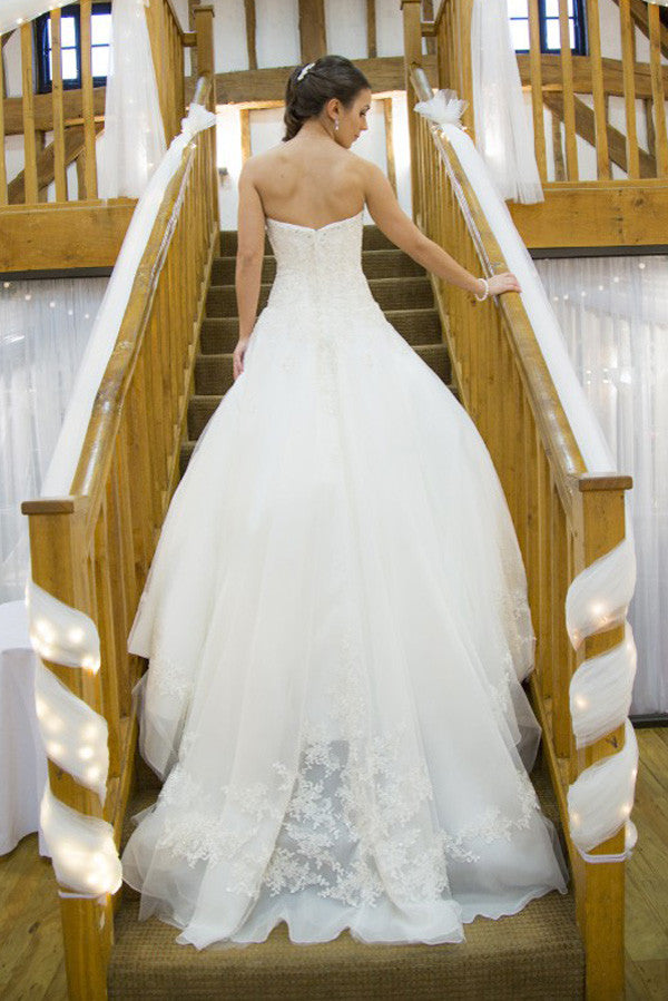 Strapless Sweetheart Ball Wedding Gowns,Sweep Train Appliques Beading Wedding Dress OMW53