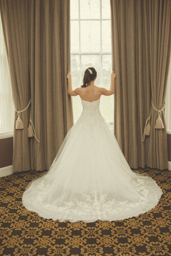 Strapless Sweetheart Ball Wedding Gowns,Sweep Train Appliques Beading Wedding Dress