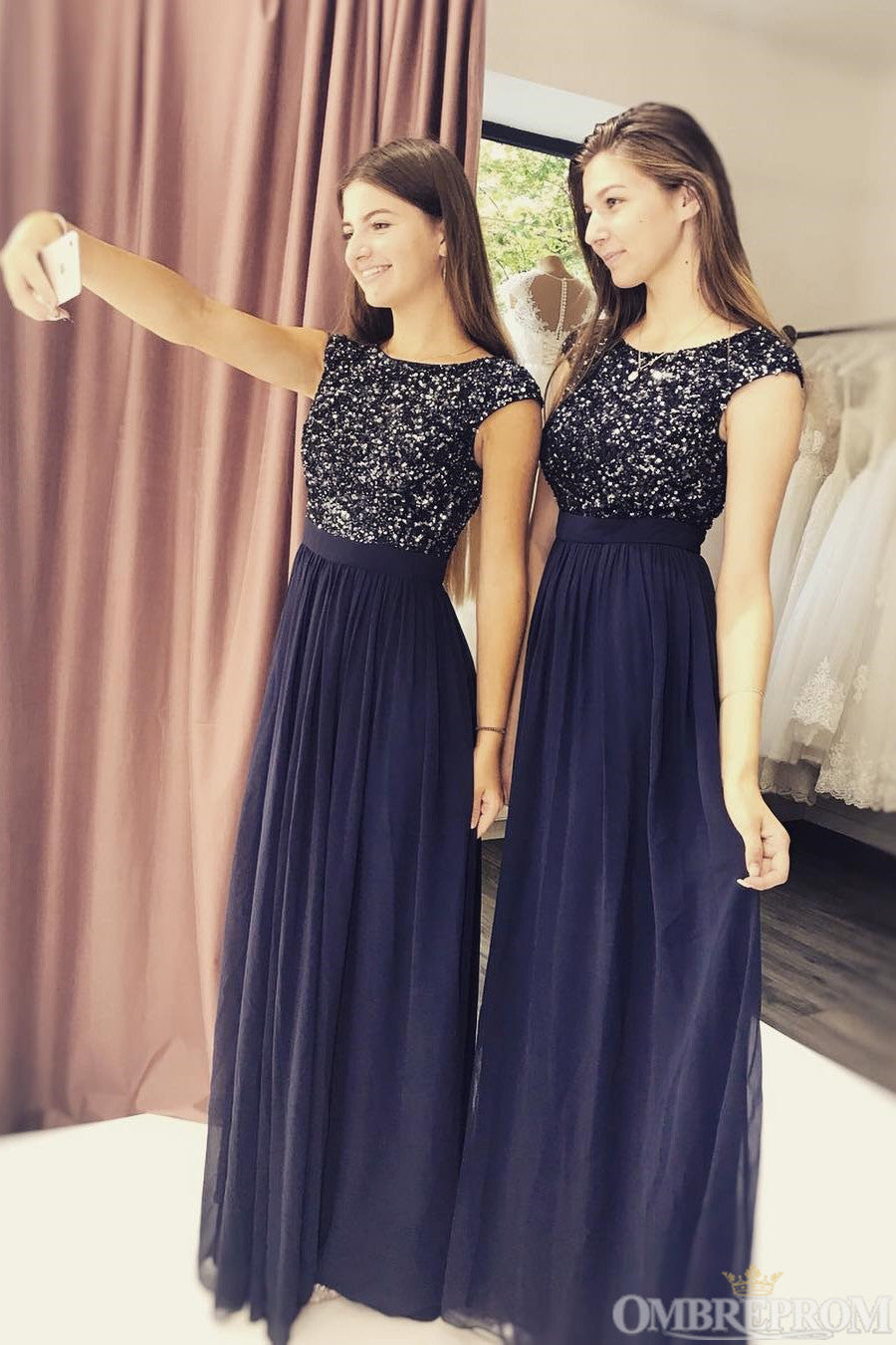 Round Neck Cap Sleeves Sparkle Sequins Long Bridesmaid Dress Prom Dresses D01