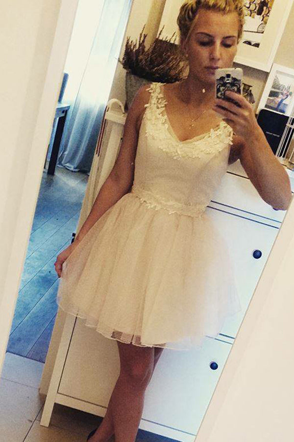 White A Line V Neck Sleeveless Appliques Short/Mini Homecoming Dress