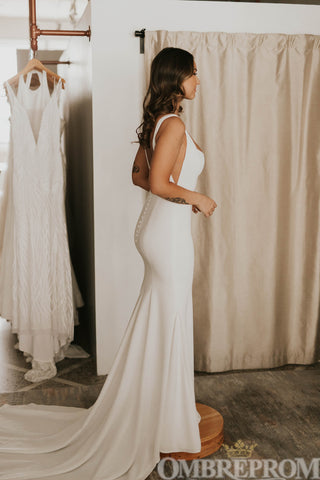 products/Simple_Satin_Backless_Sweep_Train_Mermaid_Wedding_Dress_W720_1.jpg