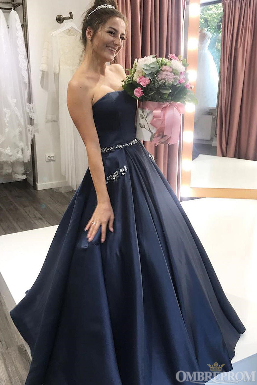 Simple Strapless A Line Sleeveless Ball Gowns Prom Dresses with Beaded P997
