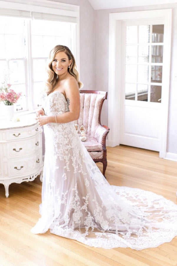 Sweetheart Strapless Sweep Train Wedding Gown,Mid Back Appliques Wedding Dress