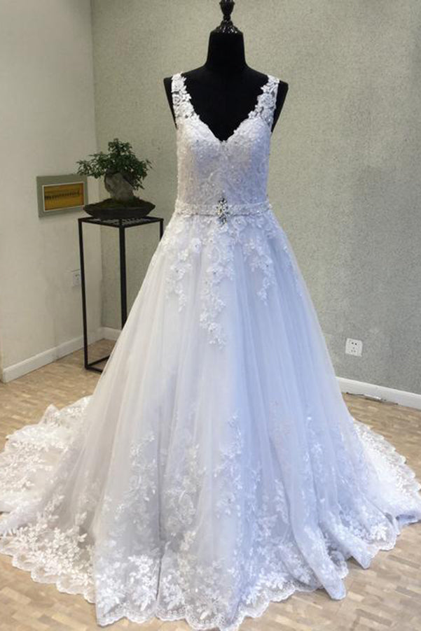 Delicate V Neck With Lace Appliques Wedding Dresses W363