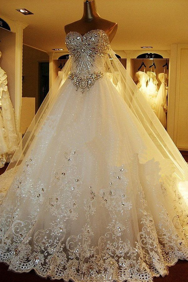 Luxury Sweetheart Sleeveless Appliques With Sparkly Beading Lace Ball Gown Wedding Dress W428