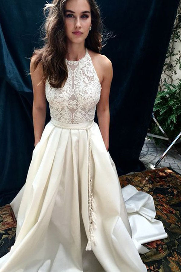 Charming Halter Satin Court Train Sleeveless Lace Wedding Dress with Appliques W548