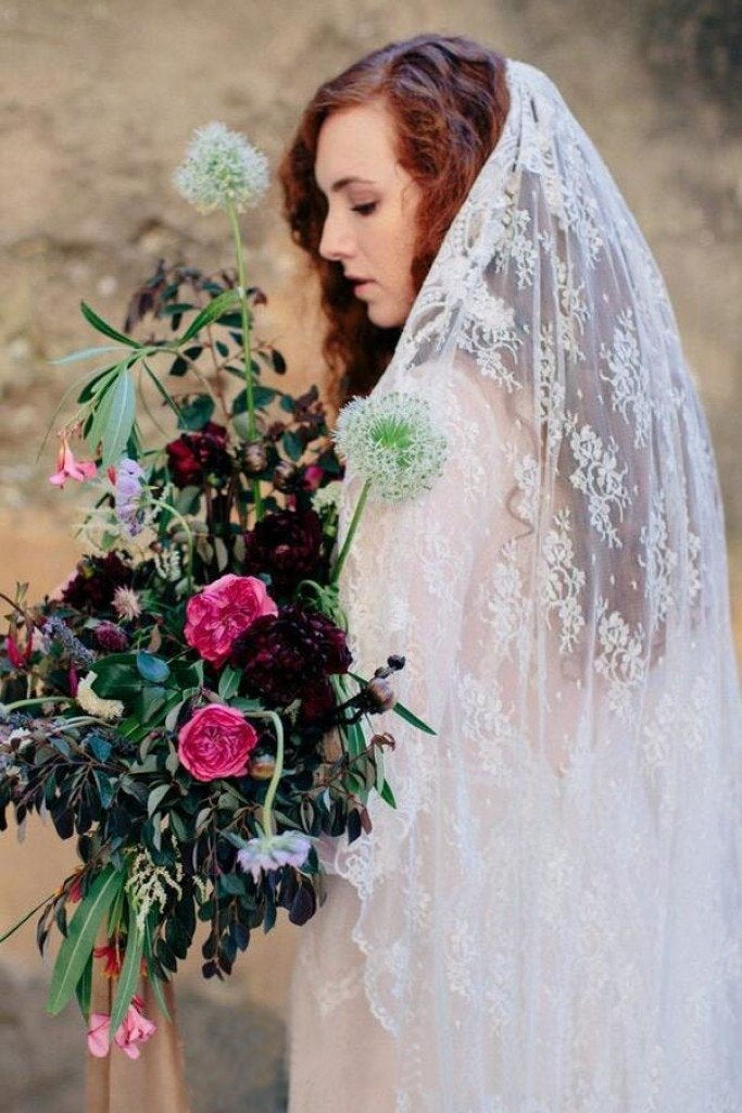 Unique Long Veils Lace With Applique Wedding Veils V03